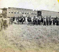 Foto con tribù Pawnee durante l'escursione del 1866.